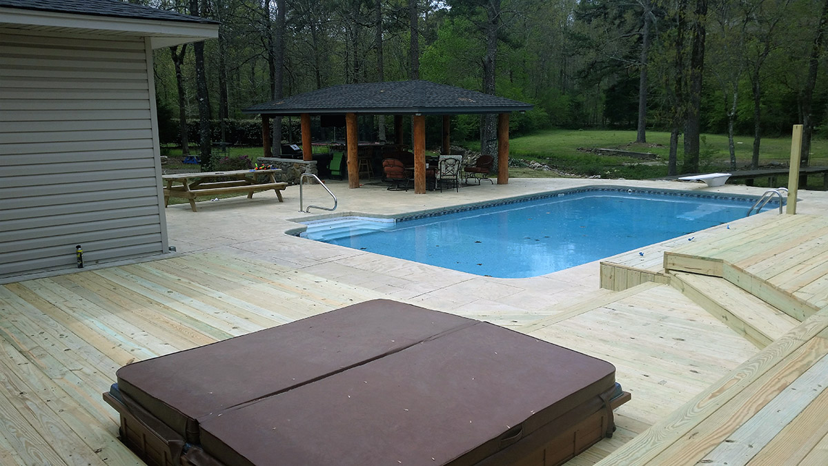 Hot Tub & Pool Deck